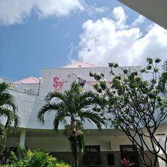 #travelbeautiful #traveling #travel #viajar #memorial #arte #cultura #nordeste #brazil #travelbrazilian #tree #sky #sky #summer #sol #beautiful #paisagem #paisagismo #viscocam #lindo #love #tbt #turistar #turismo #dreams #arquitetura #arquitetos  #curitiba #fortaleza #brazil #zoom #zenfone3zoom http://tipsrazzi.com/ipost/1521269410977842848/?code=BUconghAIag