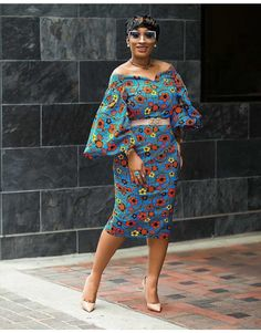 Ankara Short Dresses Howdy ladies, here are latest ankara short dresses 2018 you should rock. These ankara styles are suitable as owambe or office. African Print Clothing, African Print Dresses, African Fashion Dresses, African Dress, Ankara Fashion, Ankara Short Gown Styles, Trendy Ankara Styles, Short Gowns, Dress Styles