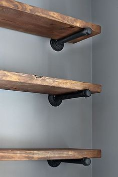 Reclaimed Wood Open or Floating Shelving This open Style Industrial Pipe Wood Shelving gives an outdoor cosy touch to the inside of your home. The post Reclaimed Wood Open or Floating Shelving appeared first on Wood Diy. Wood Closet Shelves, Glass Shelves, Barn Wood Shelves, Laundry Shelves, House Shelves, Galvanized Pipe Shelves, Glass Cabinets, Shelves With Pipes, Iron Pipe Shelves