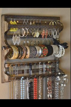 Jewelry organizer. I could make this! !