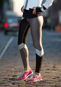 LOVE these chevron-like tights