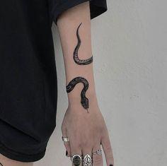 Likes, 103 Kommentare - Jesse Ocean ( auf . tattoo old school tattoo arm tattoo tattoo tattoos tattoo antebrazo arm sleeve tattoo Dope Tattoos, Pretty Tattoos, Mini Tattoos, Beautiful Tattoos, Body Art Tattoos, New Tattoos, Small Tattoos, Tatoos, Awesome Tattoos