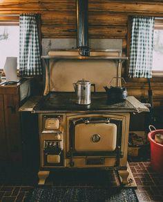 preservation handmaiden. thankfulsagefarmschool.com