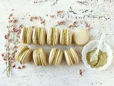 Matcha and pistachio macarons Pistachio Macarons, Matcha, Garlic, Cookies, Vegetables, Food, Crack Crackers, Biscuits, Essen