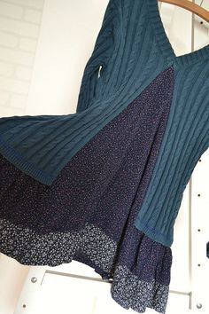 upcycled kleidung baumwollkleid gestricktes kleid blau von smArtville – UPCYCLING IDEAS – upcycling kleidung – upcycled clothing cotton dress knitted dress blue by smArtville – UPCYCLING IDEAS – upcycling clothing – dress … Sewing Clothes, Diy Clothes, Clothes Refashion, Refashion Dress, Sweater Refashion, Diy Sweatshirt, Boho Dress, Knit Dress, Jumper Dress