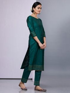 Emerald Green Silk Kurta with Pants - Set of 2 Silk Kurti Designs, Kurta Designs Women, Salwar Designs, Kurti Designs Party Wear, Blouse Designs, Dress Indian Style, Indian Dresses, Indian Outfits, Kurti Embroidery Design
