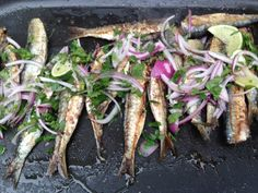 Cooking sardines on the grill - Summer recipe - Plancha - Sardline Asian Fish Recipes, Recipes With Fish Sauce, Whole30 Fish Recipes, White Fish Recipes, Easy Fish Recipes, Top Recipes, Meat Recipes, Summer Grilling Recipes, Summer Recipes
