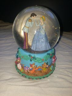 Enesco Cinderella snowglobe with original box Disney. Plays the 12 days of Christmas and has the mice, toys, and garland around the base Flower Phone Wallpaper, Cute Wallpaper Backgrounds, Wallpaper Iphone Cute, Cute Wallpapers, Cool Girl Pictures, Romantic Pictures, Best Love Photos, Girl Hand Pic, Birthday Room Decorations