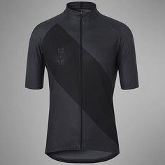 Appears there's a new kid in town but it's no Johnny come lately has the savoir faire of alá look for it this May. Cycling Wear, Cycling Clothing, Cycling Jerseys, Cycling Outfit, Fireflies, Bike Stuff, New Kids, Fun Workouts, Cycling