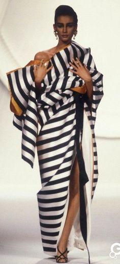 b818d843fbd30 Haute Couture, Christian Dior Rétro, Christian Lacroix, Mannequins, Mode  Des Défilés,