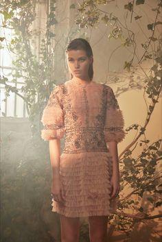 Sfilata Alberta Ferretti Limited Edition Parigi - Alta Moda Primavera Estate 2018 - Vogue