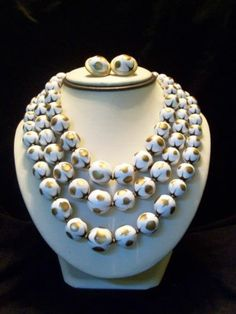 ELEGANT GOLD WHITE TRIPLE STRAND LUCITE BEAD NECKLACE EARRINGS SET BY TRIFARI
