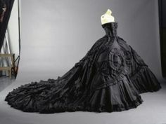 Dramatic Looks of 10 Styles for Black Wedding Dresses