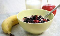 Hyvänmakuinen ja terveellinen aamiainen on helppo koostaa hyvin yksinkertaisista perusaineista. Quinoa Breakfast Bowl, Low Carb Pizza, Omega 3, Pesto, Acai Bowl, Avocado, Health, Recipes, Food