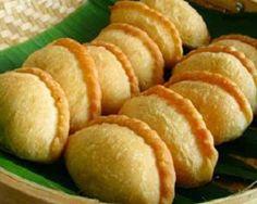 http://foodrecipes00.blogspot.com/2014/07/resep-kue-pastel-kering-dan-cara.html