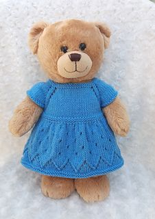 knitted doll patterns Linmary Knits: Teddy top down dress Knitted Dolls Dress Pattern, Knitting Dolls Free Patterns, Knitted Dolls Free, Knitting Dolls Clothes, Yarn Dolls, Baby Doll Clothes, Crochet Doll Clothes, Doll Clothes Patterns, Bear Patterns