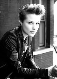 Short hairstyles | Short haircut for tomboy look  http://www.hairstylo.com/2015/07/short-hairstyles-for-women-complete-guide.html