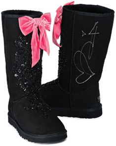 <3 So girly with a touch of pink!