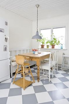 an angel at my table: Mitt hus Linoleum Flooring, Kitchen Flooring, Kitchen Dining, Kitchen Decor, Dining Rooms, Floors, Kitchen Ideas, Beach Kitchens, Home Kitchens
