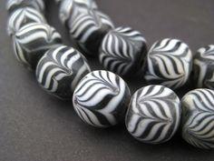 Black Glass Islamic Flower Beads