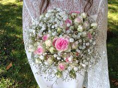 Bouquet gypsophile et petites roses branchues