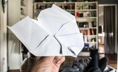 Seit 2001 wird in den USA immer am 26. Mai des Jahres der Tag des Papierfliegers, der amerikanische National Paper Airplane Day gefeiert.