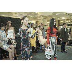 แฟชนโชวสดปงอพเดทเทรนดฮอตประจำซซน Spring/Summer 2017 ในงาน VOGUE LOVES LUXE ณ M Gallery ศนยการคา ด เอมโพเรยม อดแนนไปดวยนางแบบ นกแสดง และเซเลบรตเพยบ! #EMFashionIcon #VogueLovesLuxe #TheEmporium #TheEmQuartier  via VOGUE THAILAND MAGAZINE OFFICIAL INSTAGRAM - Fashion Campaigns  Haute Couture  Advertising  Editorial Photography  Magazine Cover Designs  Supermodels  Runway Models