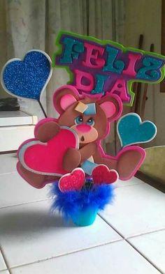 Figuras de Foamy para tus Centros de Mesa Foam Crafts, Diy And Crafts, Crafts For Kids, Arts And Crafts, Paper Crafts, Cute Wallpaper For Phone, Ideas Para Fiestas, Diy Birthday, Creative Art