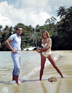 bond/dr no/sean connery/ursula andress Sean Connery James Bond, Ursula Andress, Bond Girls, Honey Ryder, Divas, Scottish Actors, James Bond Movies, Cinema, Classic Movies