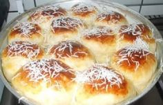 Pão Doce Rápido Bread And Pastries, My Recipes, Sweet Recipes, Cooking Recipes, I Love Food, Good Food, Yummy Food, Pan Dulce, Portuguese Recipes