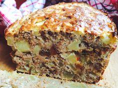 Czy można upiec dietetyczne ciasto bez cukru i bez tłuszczu, które będzie pyszne i delikatne? Szybkie i bardzo zdrowe ciasto z jabłkami dziś u Mamolki!