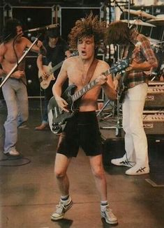 AC-DC - Angus YOUNG