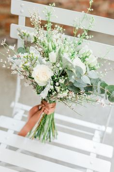 Fantastic dream wedding ideas are available on our internet site. look at this and you wont be sorry you did. Simple Wedding Bouquets, Wedding Vases, Simple Weddings, Floral Wedding, Wedding Colors, Rustic Wedding, Wedding Flowers, Wedding Dresses, Wedding Ceremony Ideas