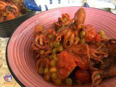 ed ecco anche oggi una ricetta davvero sfiziosissima, ottima per grandi e bambini: un classico piatto unico, facile e veloce da realizzare: i moscardini in umido con piselli.