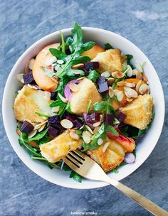 Deep-fried Camembert with Beetroot, peach and rocket salad Beetroot, Diy Food, Potato Salad, Fries, Salads, Vegan Recipes, Good Food, Food And Drink, Diet
