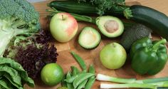 grønne grønnsaker Healthy Groceries, Eggplant, Cleanse, Zucchini, Detox, Nutrition, Vegetables, Tips, Foods