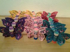 Traktatie 4 jaar kdv vlinder School Birthday Snacks, Learn Arabic Alphabet, Joelle, Godchild, Diy For Kids, Diy Gifts, Birthdays, Presents, Treats