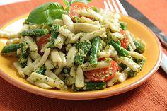 Pesto Shirataki with Cherry Tomatoes and Green Beans/Tofu Recipe | House Foods