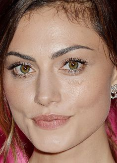 Close-up of Phoebe Tonkin at Entertainment Weekly's 2016 Comic-Con Bash. http://beautyeditor.ca/2016/08/08/beautiful-skin-phoebe-tonkin