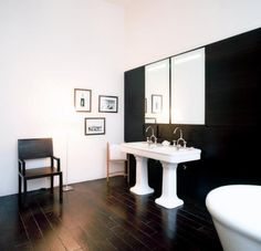 Love neutrals? Check out these 5 gorgeous black and white bathrooms from @Remodelista!