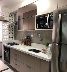 Este posibil ca imaginea să conţină: bucătărie şi interior Kitchen Room Design, Home Decor Kitchen, Interior Design Kitchen, Home Kitchens, Home Decor Furniture, Kitchen Furniture, Modern Kitchen Cabinets, Contemporary Kitchen Design, Cuisines Design