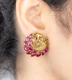 Jewelry Design Earrings, Gold Earrings Designs, Pendant Jewelry, Gold Bangles Design, Gold Jewellery Design, Indian Bridal Jewelry Sets, Peacock Jewelry, Gold Jewelry Simple, Sk Logo