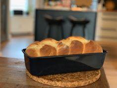 Draußen nur Kännchen!: Nachgebacken: Brioche Cornbread, Banana Bread, Ethnic Recipes, Desserts, Food, Bread Baking, Kuchen, Bakeware, Food Food