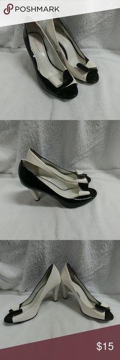 Anne Klein Heels Used has flaws as seen in pics Shoes Heels