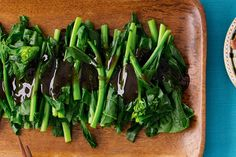 Asian greens with oyster sauce - November 30 2018 at - Amazing Ideas - and Inspiration - Yummy Recipes - Paradise - - Vegan Vegetarian And Delicious Nutritious Meals - Weighloss Motivation - Healthy Lifestyle Choices Quick Side Dishes, Vegetable Side Dishes, Vegetable Recipes, Sauce Recipes, Beef Recipes, Cooking Recipes, Healthy Recipes, Recipies, Weeknight Recipes