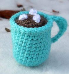 Amigurumi hot cocoa mug Christmas ornament (free pattern) // Horgolt forró csoki karácsonyfadísz (ingyenes amigurumi minta) // Mindy - craft tutorial collection // #crafts #DIY #craftTutorial #tutorial