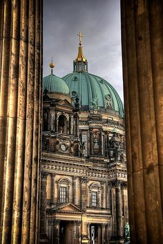 Berlin Cathedral, Germany. Originally Roman Catholic, from 1539 on Lutheran, Calvinist since 1613, from 1817 on Evangelical Protestant. Architects: Martin Böhme (1717), Johann Boumann the Elder (1747–1750), Karl Friedrich Schinkel (1817 and 1820–1822), Julius and Otto Raschdorff, father and son (1894–1905),