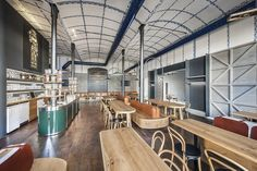 We were using traditional materials and old technology in order to achieve a modern environment with the cosiness of old pubs. Despite entering Pilsner Urquell, which required a conservative approach, the interior is built on several original elements that determine and define the space to competing chains.