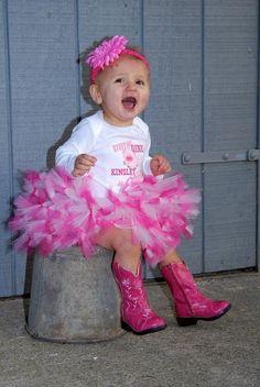 Farm Birthday Pig Birthday Petti Tutu por 1StopEmbroideryShop, $56.95 Cowgirl Birthday, Farm Birthday, First Birthday Parties, First Birthdays, Birthday Ideas, Birthday Tutu, Cute Kids, Cute Babies, Baby Tutu