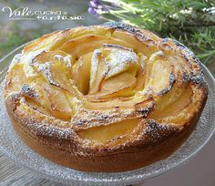 Apple pie and custard without butter and oil Raw Food Recipes, Italian Recipes, Sweet Recipes, Dessert Recipes, Cooking Recipes, Apple Desserts, Delicious Desserts, Yummy Food, Sweet Light